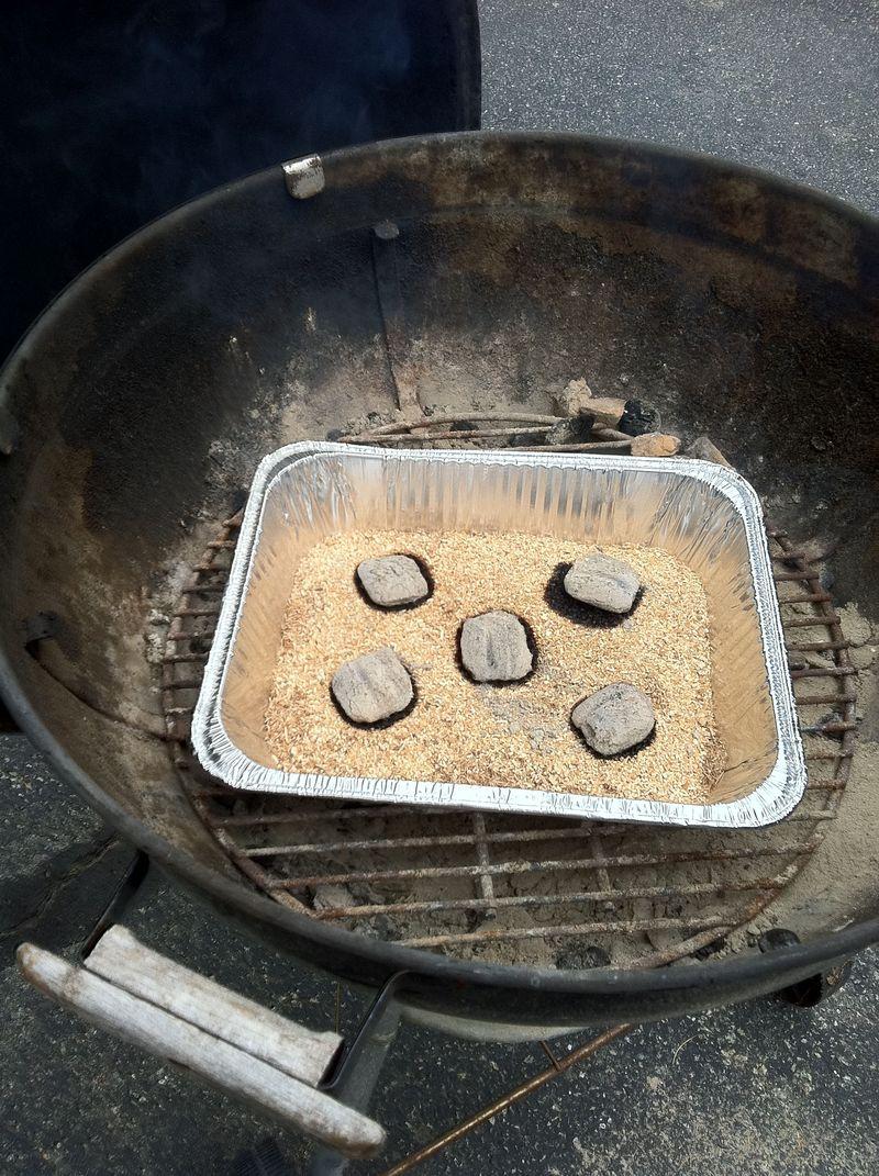 Sawdust ready to smoke